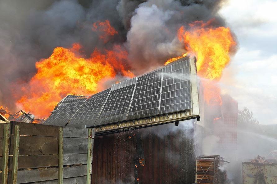 Rischio Incendio Dei Pannelli Fotovoltaici Intervista Al